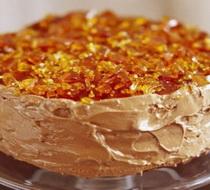 Nugat-torta-sa-karamelom