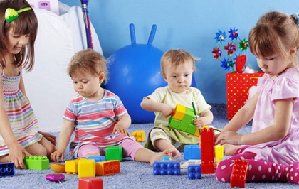 Kakve i koliko igračke su potrebne detetu?